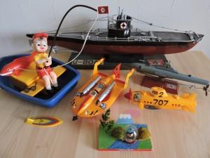 写真⑦ いわば水物です。 しかしナチスのUボートはカッチョエエのお~ あっ桃太郎も水物入れました~